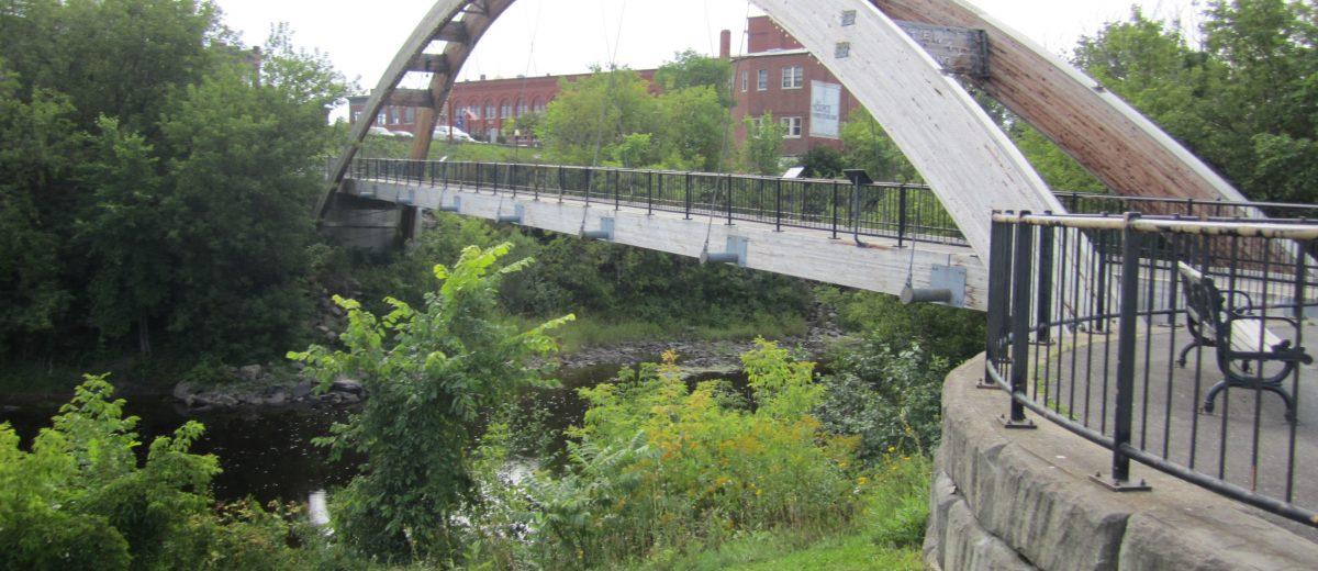 photo of houlton pedestrian bridge in houlton maine